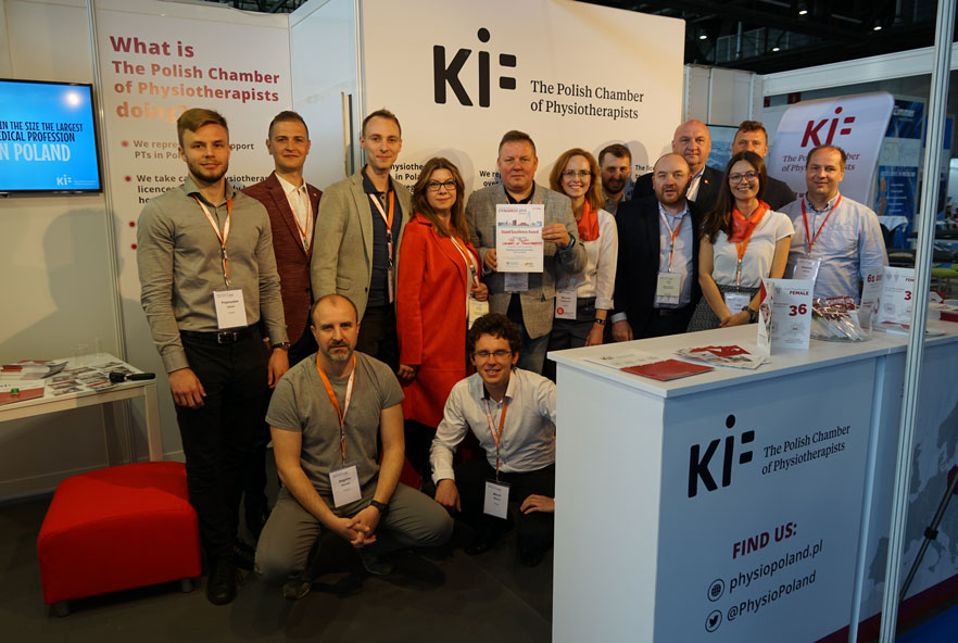 A group of members from the Polish Chamber of Physiotherapists
