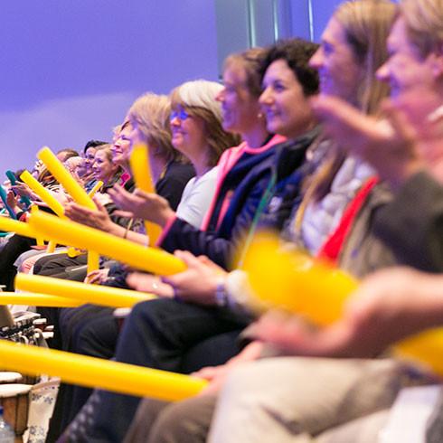 Fotografia da cerimônia de abertura de um congresso mundial de fisioterapia