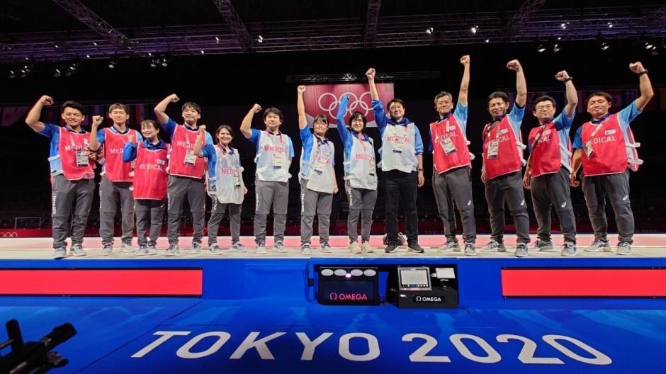 Fisioterapeutas y equipo médico en los Juegos Olímpicos de Tokio