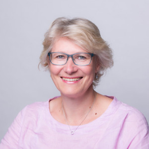 Foto da cabeça de Birgit Mueller-Winkler, consultora profissional sênior